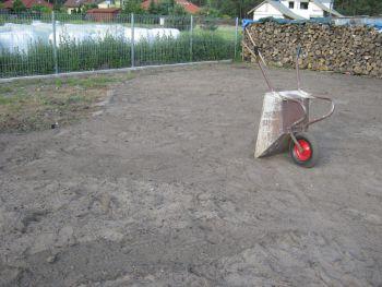 przygotowanie do zakładania trawnika